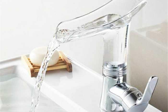 Кран-смеситель для ванной: типы смесителей и материалы покрытия. Механизм переключения на душ. Встроенные и внешние смесители (фото + видео)