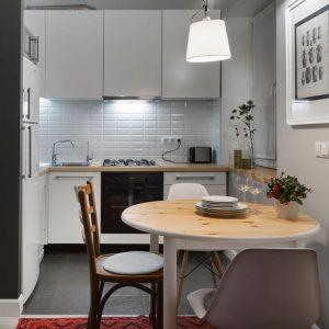 Новинки дизайна маленькой кухни 2020 года — ТОП-150 фото и видео новинок. Правильное зонирование и расстановка мебели. Новинки обеденных столов и барных стоек