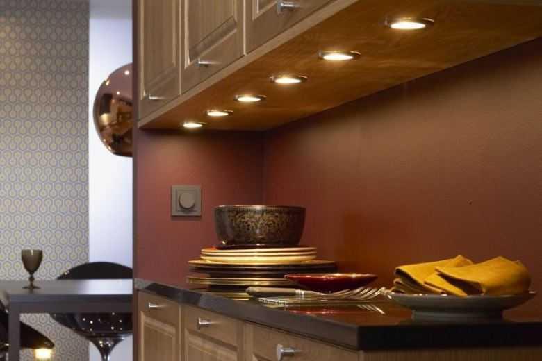 Светильники для кухни над столом: как выбрать хорошее освещение